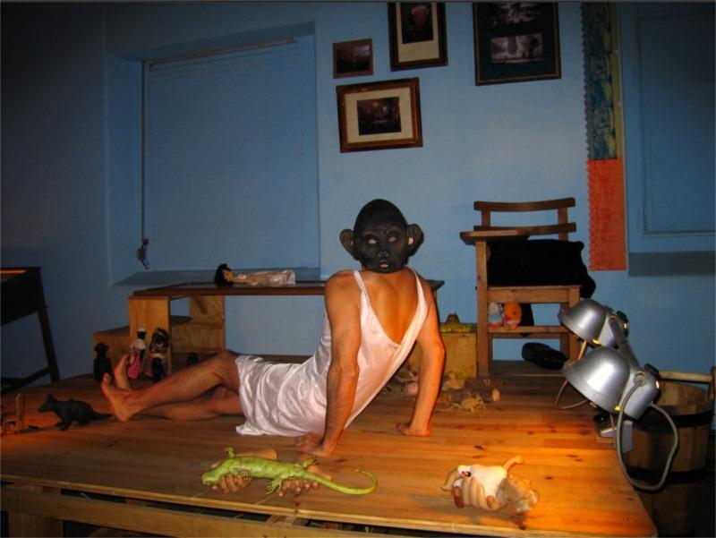 Luís Castro in Slave of Others, Karnat, 2005 © Vel Z