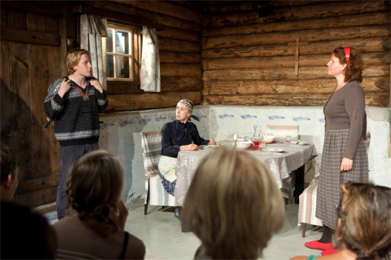 Sounds of the Plains in an old Estonian barnhouse. © Lauri Kulpsoo