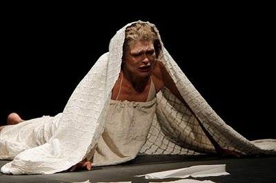 Jolanta Juszkiewicz as Desdemona