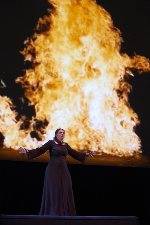 """Bill Viola's videos serve as powerful backgrounds to Peter Sellars' production of """"Tristan and Isolde,"""" done by the Canadian Opera Company in Toronto © Michael Cooper"""