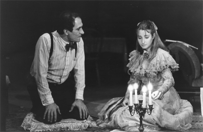 "The Gentleman Caller (Tony Amendola) and Laura (Kimberly King) in ""The Glass Menagerie"" by Tennessee Williams. Premiered at Berkeley Repertory Theatre (USA) on Dec. 7, 1982. Direction by Michael Leibert; sets and costumes by John Warren Travis. © Photo by Ken Friedman"