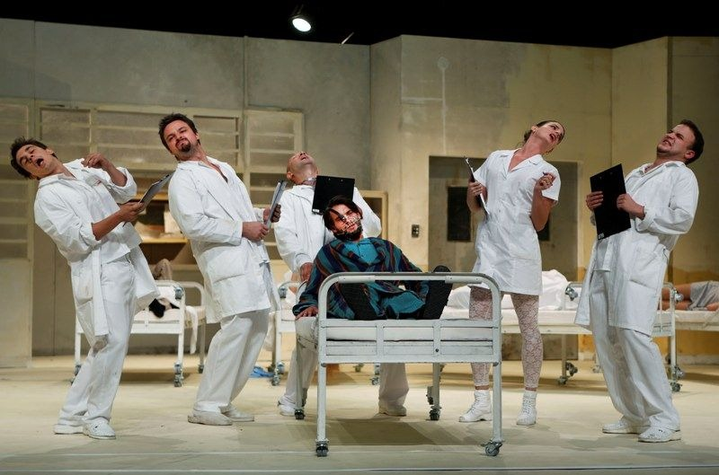 "Scene from ""Anamnesis,"" co-production Katona József Theatre and Sputnik Shipping Company (dir. Viktor Bodó). © Ctibor Bachraty"