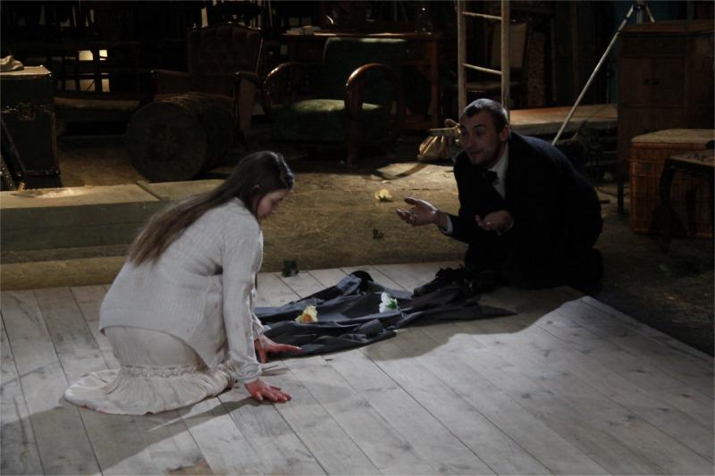 """Olga Török (Nina Zarechnaya) and Radu Vulpe (Trigorin) in """"The Seagull"""" at the German State Theatre Timişoara, Romania"""