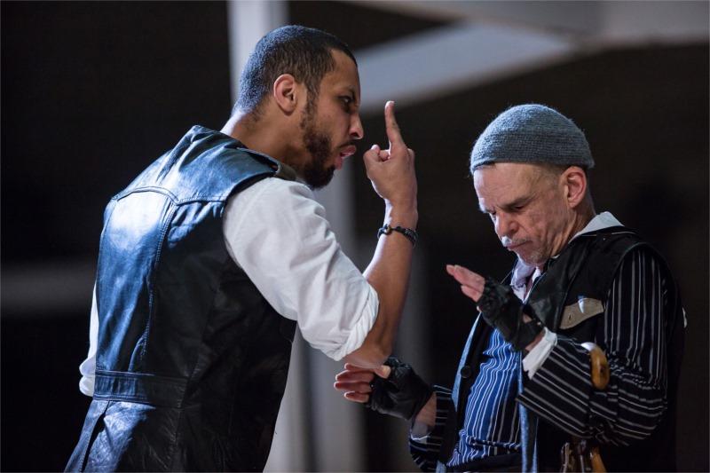 Othello (Disiz, à gauche) et Iago (Denis Lavant)